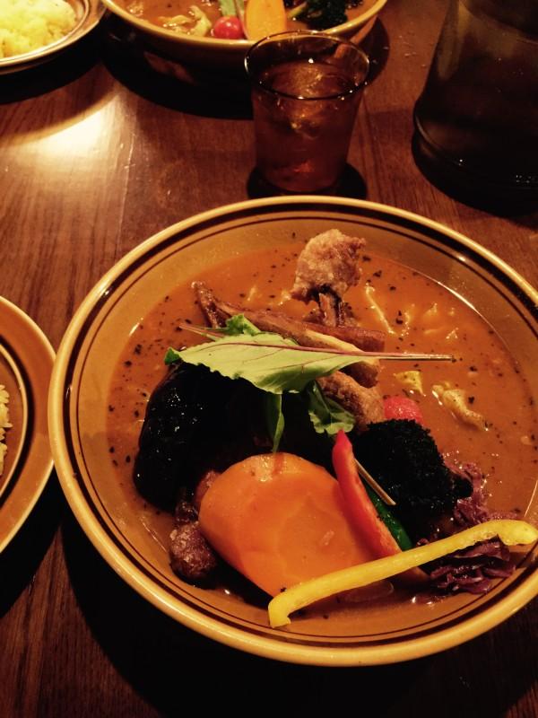 Treasureのスープカレー。揚げたチキンのやつにしました。